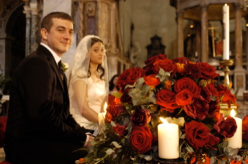 Rome wedding couple at altar